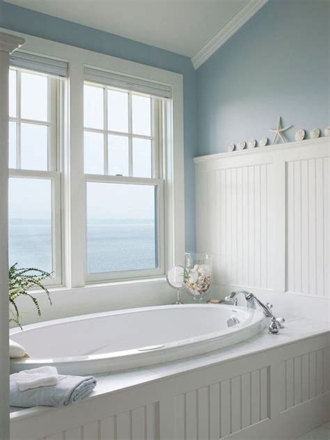 cottage master bathroom with beadboard crown molding