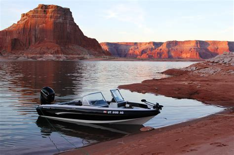 boat marina near the top list of popular boating boat charters nearby