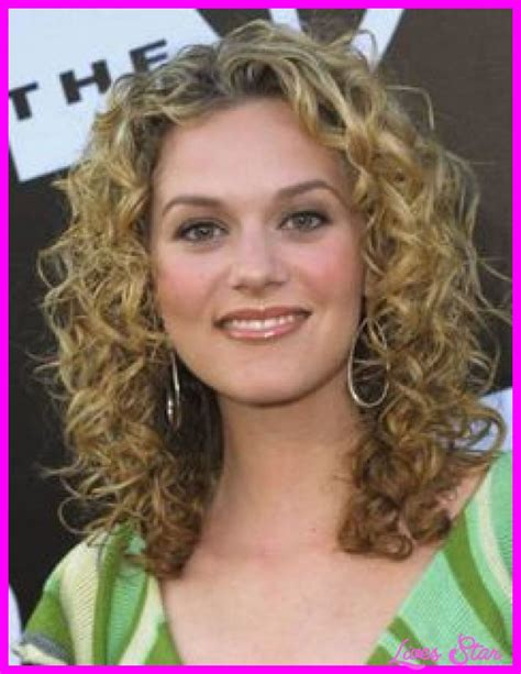 Hairstyles For Medium Hair Curly by Naturally Curly Haircuts Medium Length Livesstar