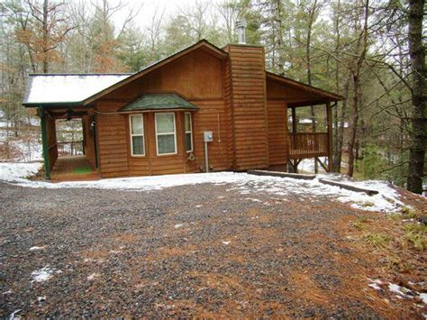 cozy cabin for sale in the murphy nc mountains