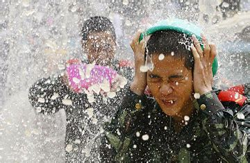 china drought  yunnans songkran water festival time