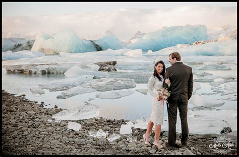 Weddings On A Budget Iceland Wedding Anniversary At J 246 Kuls 225 Rl 243 N Glacier Lagoon Iceland Wedding Planner And Photographer