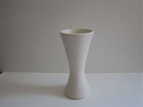 Floraline Vase by 17 Best Images About White Floraline Pottery On