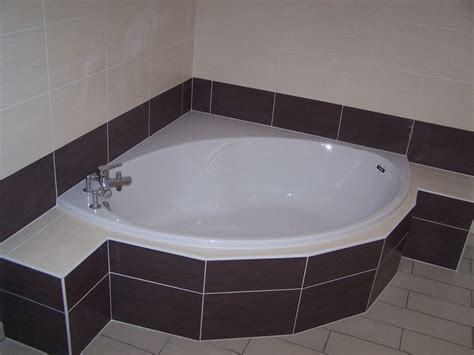 faience baignoire remplacement baignoire faience plombier avignon