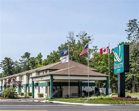 traverse bay inn traverse city mi book quality inn by the bay traverse city hotel deals