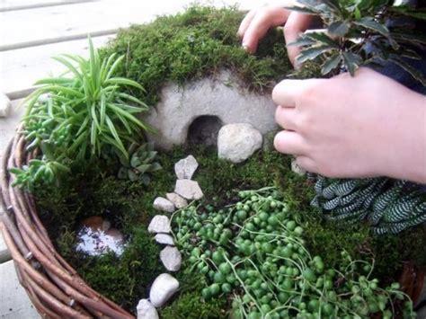 Easter Garden Ideas Make An Easter Garden A Visual Parable Easter Garden Easter And Gardens