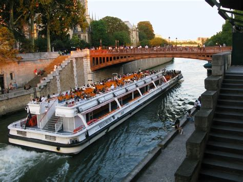 buy a boat france pre paid tickets for boat excursions on the sena river of