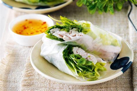 How To Make Chicken Rice Paper Rolls - chicken rice paper rolls recipe taste au