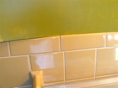 yellow tile bathroom paint colors peenmedia