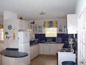 Design A Kitchen Free by Free Kitchen Designs For Small Kitchens Home Decorating