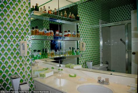 austin powers bathroom chicago condo untouched since the 1970s hits the market