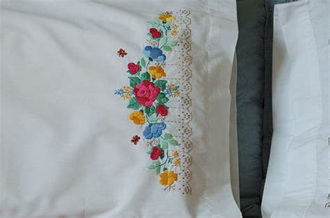 Pillow Embroidery Designs by Pillow Cover Embroidery Designs Decorticosis