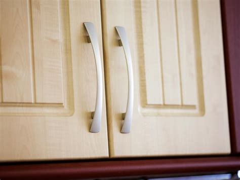 kitchen cabinet pulls ideas kitchen cabinet hardware ideas pictures options tips