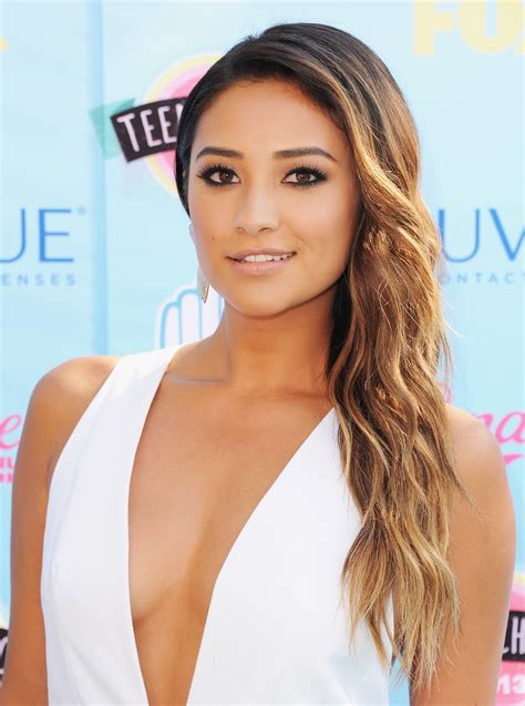 The Beauty Evolution of Shay Mitchell: From Pretty Little