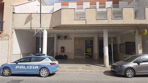 ufficio postale trapani in 3 rapinano l ufficio postale di via salemi forse