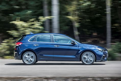 hyundai i30 hatchback review running costs parkers