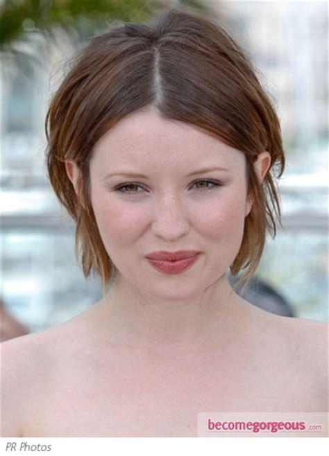 emily browning short shaggy bob hairstyle pictures emily browning hairstyles emily browning