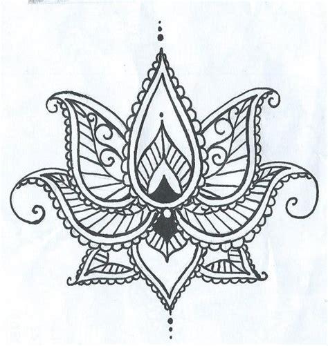 henna tattoo hand blume lotus temporary tatto with paisley henna style petals
