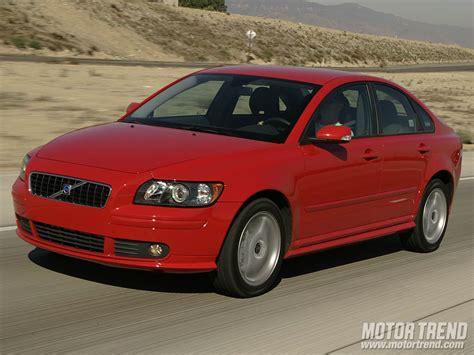 2005 volvo s40 sedan front left photo 46