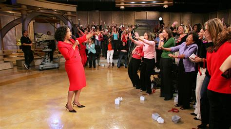 Oprah Winfrey Giveaway - oprah s entire audience are surprised with new cars video