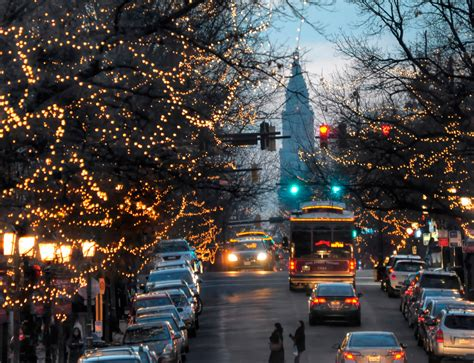 holiday magic in old town alexandria stylebook