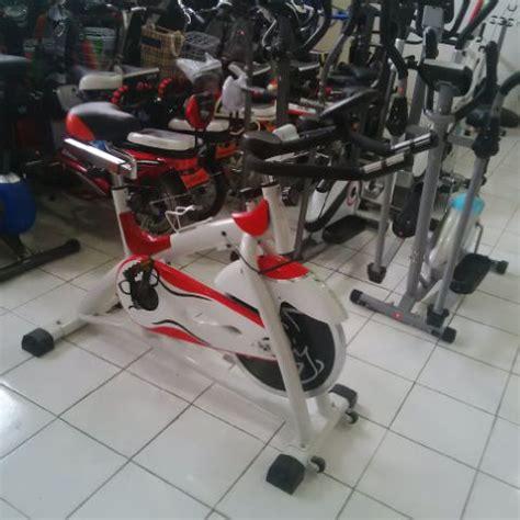 Alat Olahraga Sepeda Di Tempat Spining Bike Sepeda Olahraga Untuk Membuat Tubuh Fit Cocok