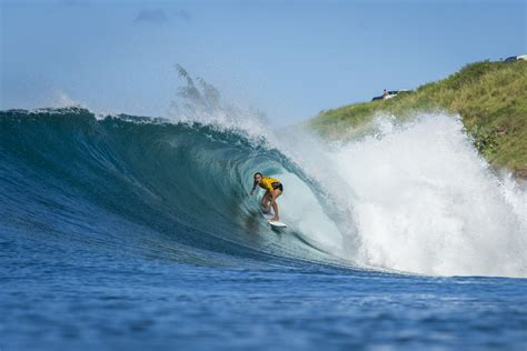 best surfer world s best surfers prepare for s pro
