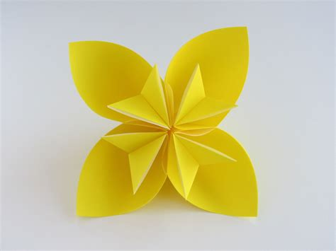 Steps For Paper Flowers - easy origami kusudama flower