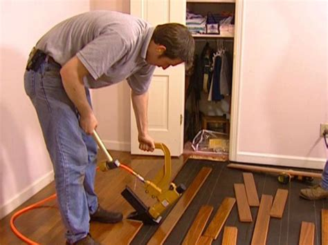 How To Lay A Hardwood Floor by How To Install A Hardwood Floor How Tos Diy