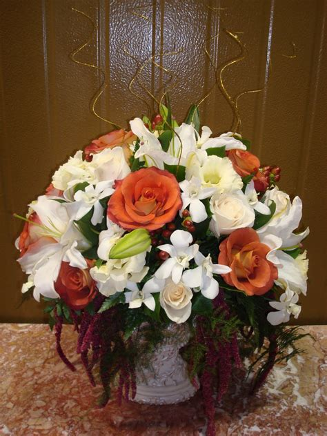 Bernardo's Flowers: 50th Anniversary Wedding Flowers