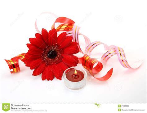 fiori e candele fiori e candele fini fotografia stock immagine di
