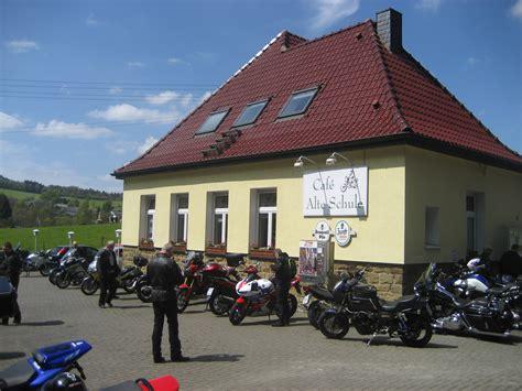 alte schule altes haus motorrad