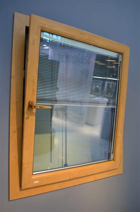 tende per vasistas finestre apertura vasistas finestra a vasistas