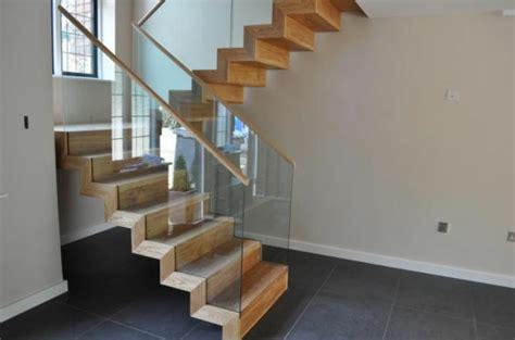 Schöne Holztreppen by Halbgewendelte Treppe Konstruieren Archzine Net