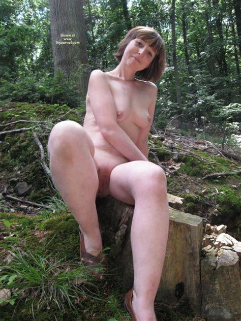 Nude Girlfriend Homka April 2010 Voyeur Web