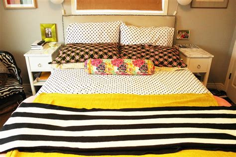 bed made of pillows how to make a bed different ideas with everyday bedding