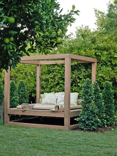Patio Swing Daybed Canada 25 Best Ideas About Outdoor Daybed On Porch