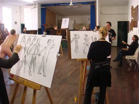 Drawing Classes by Ten Looks At The Model And One At Your Paper Joan Geary