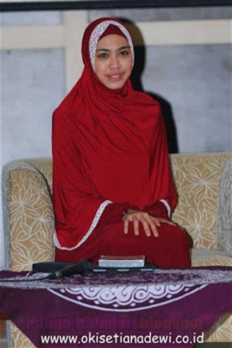 Jilbab Syar I Lebar Jilbab Lebar Ala Oki Setiana Dewi