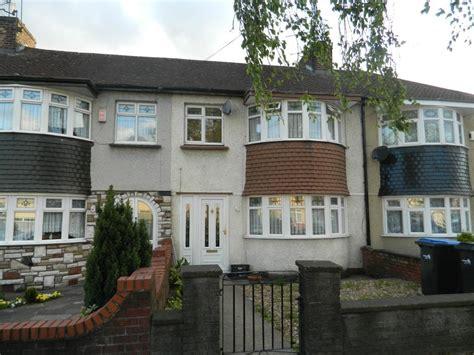 3 bedroom house edmonton 3 bedroom terraced house for sale in nightingale road