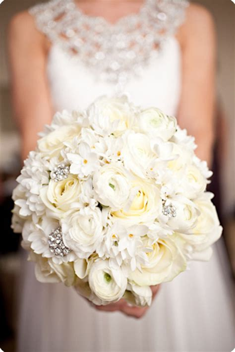 White Wedding Bouquets For Brides 10 beautiful white wedding bouquets part 1 flowerona