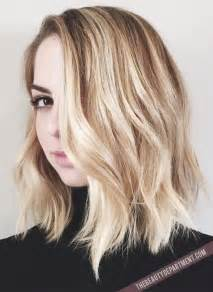putting layers in shoulder length hair 18 shoulder length layered hairstyles popular haircuts