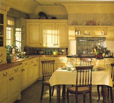 traditional country kitchens best 25 yellow country kitchens ideas on blue