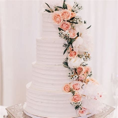 Wedding Cakes With Flowers by Wedding Cakes With Cascading Flowers