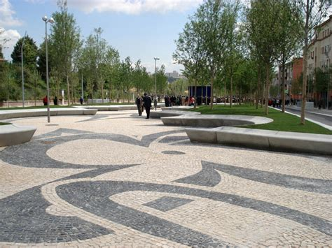avenida de portugal 03 detail cherry blossom pattern in portuguese pavement 171 landscape