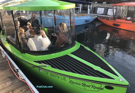 duffy boats los angeles newport beach lifestyle blog on the water in an electric boat