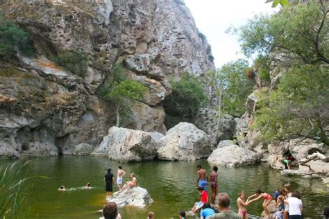 hikes in malibu with waterfalls 25 b 228 sta malibu hikes id 233 erna p 229 par bilder