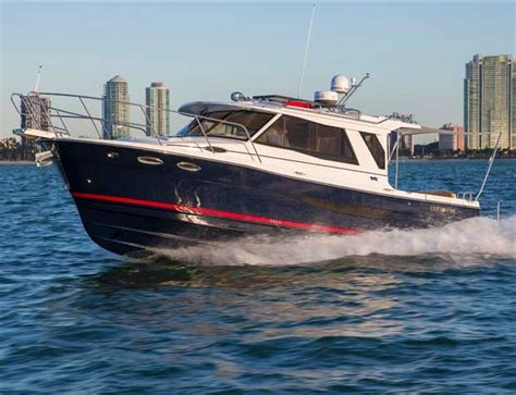 cutwater boats research 2015 cutwater c 30 sedan on iboats