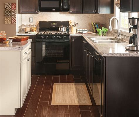 diamond kitchen cabinets lowes diamond now at lowe s brookton collection the dark