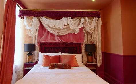 viewers slam victorian hotel room created  bbc interior